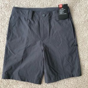 Size 6 under armour shorts NWT